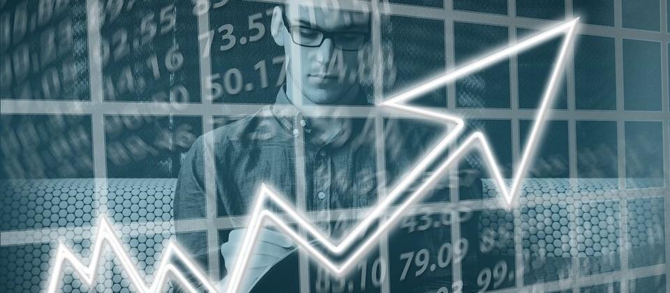 Economia reage com PIB positivo e expectativa de aquecimento para este ano