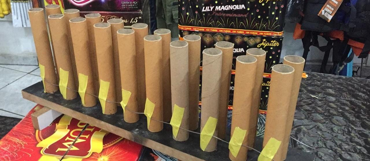 Lojas de fogos de artifício estão vendendo mais este ano