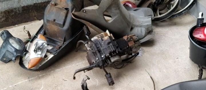 Polícia fecha oficina usada para desmanche de motos em Maringá