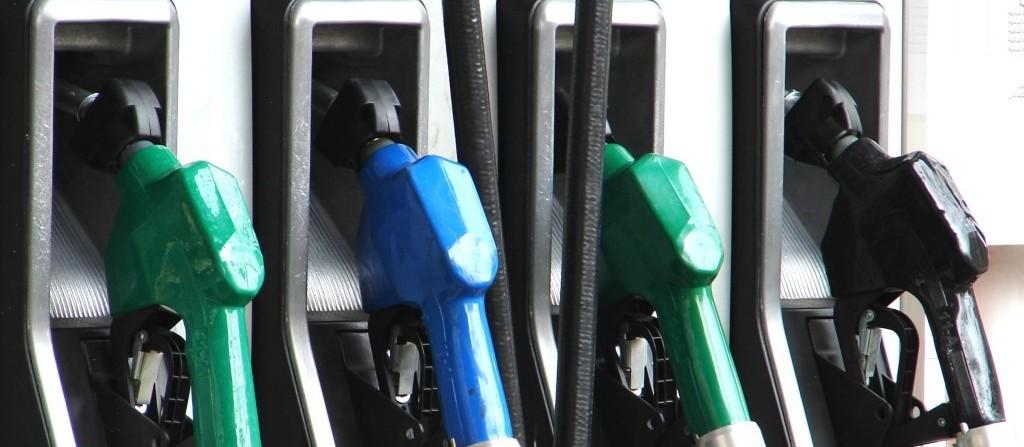 Procon quer entender preços dos combustíveis praticados em Maringá