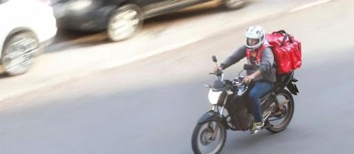 Em Maringá, entregadores de aplicativos não param