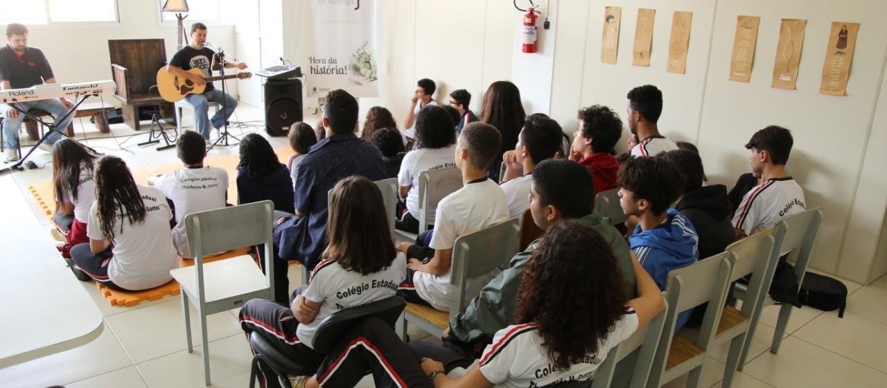 Bibliotecas realizam projetos literários para crianças e adolescentes