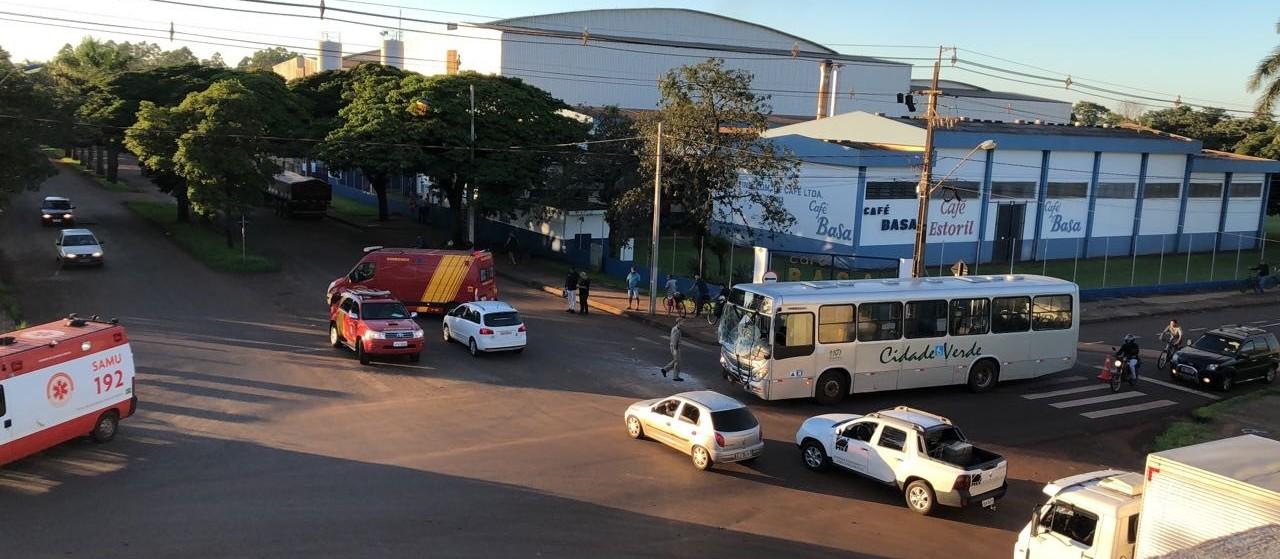 Seis pessoas ficam feridas em acidente de trânsito em Maringá