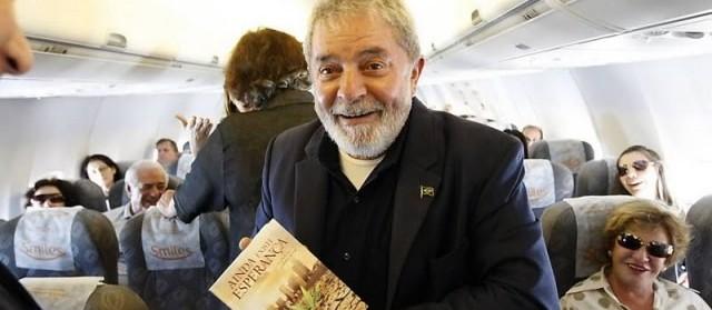 Sim, é possível ler 21 livros em 57 dias como teria feito Lula