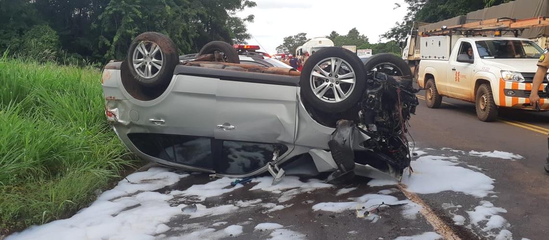 Em acidente, casal morre e criança fica gravemente ferida
