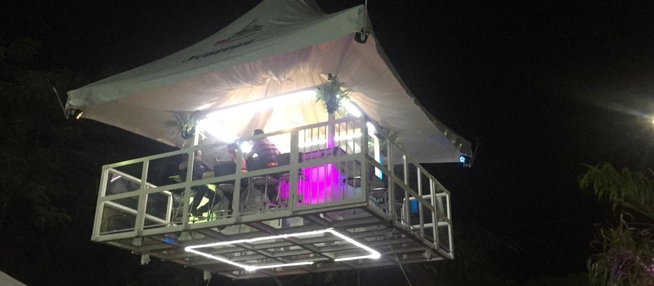 Um das atrações da Expoingá 2019 são os passeios no bar suspenso