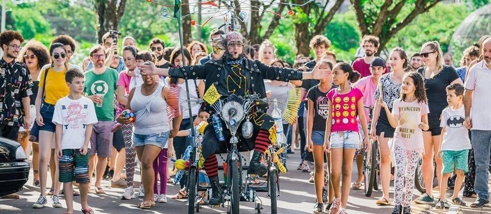 Artistas fazem rede de apoio em Maringá