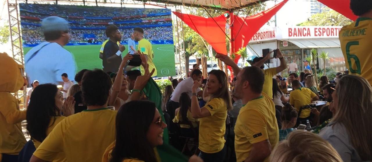 Seleção vence os mexicanos por 2 a 0