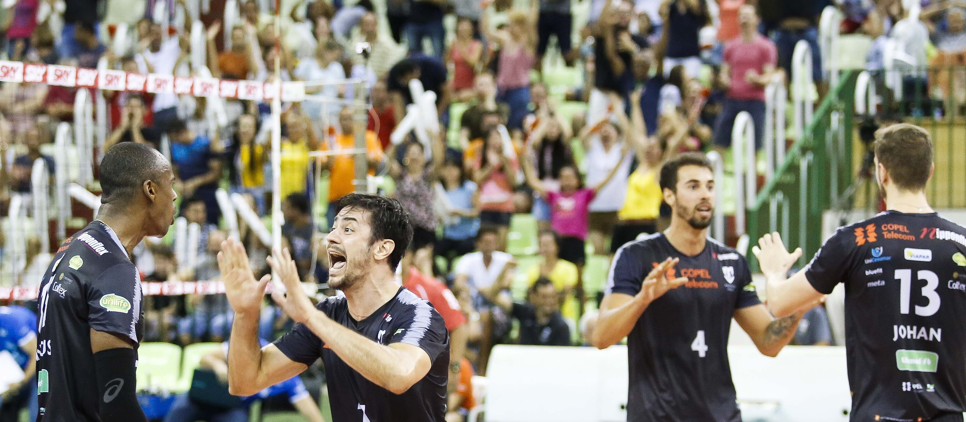 Maringá Vôlei vence o Sesi/SP e está classificado para as semifinais