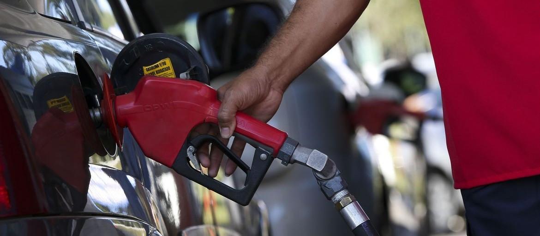 Procon quer explicação para aumento no preço do combustível em Maringá