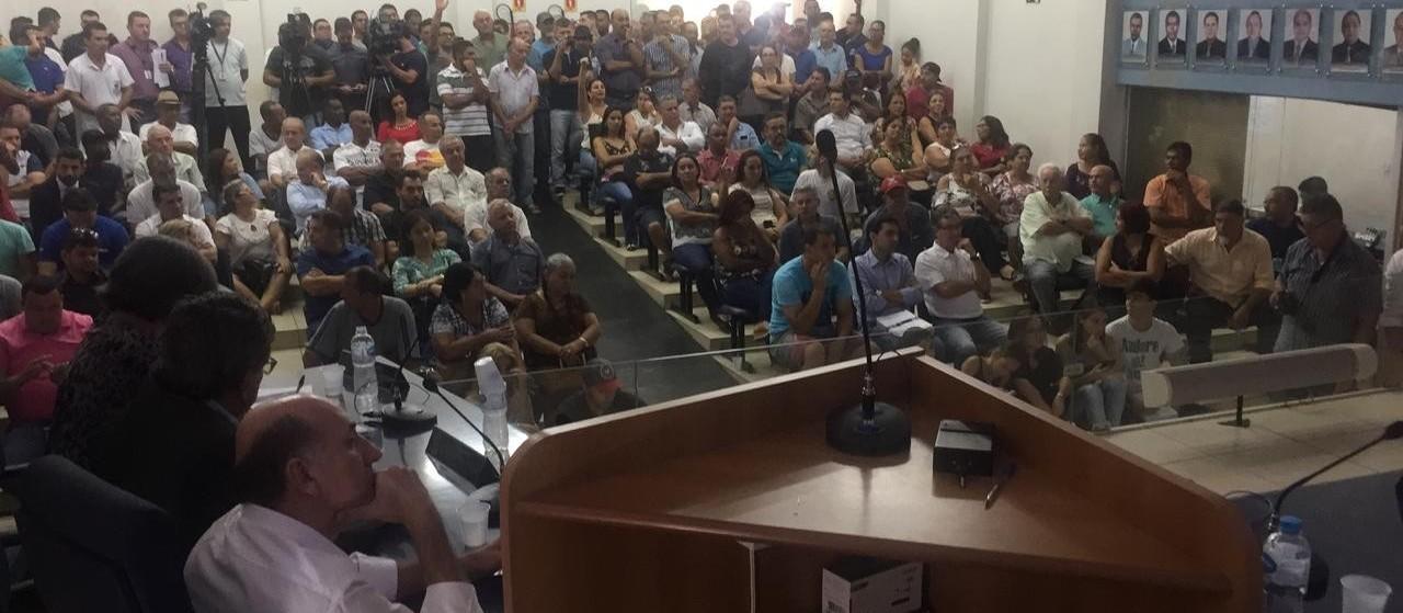Audiência pública sobre cruzamentos da BR-376 lota Câmara