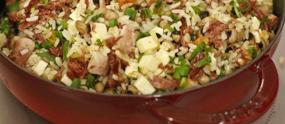 Típico do nordeste, baião de dois é um prato completo