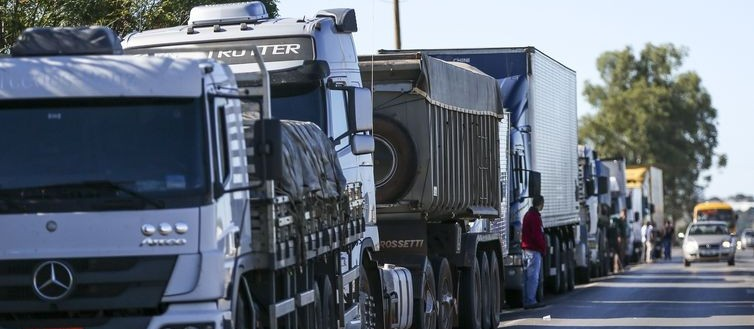 Gilson Aguiar: 'diesel em alta e rodovias em baixa'