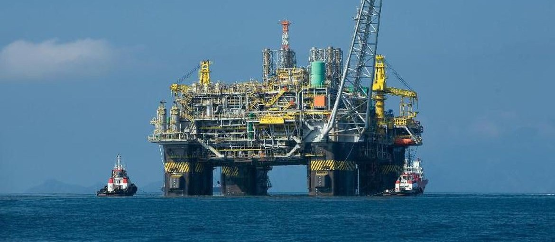 Preço do petróleo continua a cair