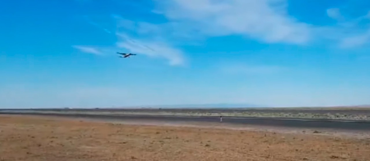 Maior avião elétrico do mundo faz seu primeiro voo teste