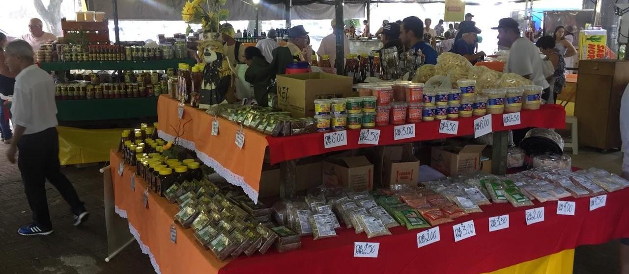 Pequenos produtores comercializam na Feira da Agroindústria
