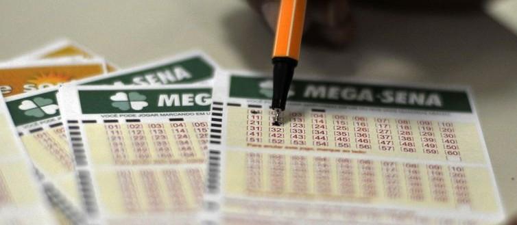 Na virada do ano uma tradição é apostar na loteria