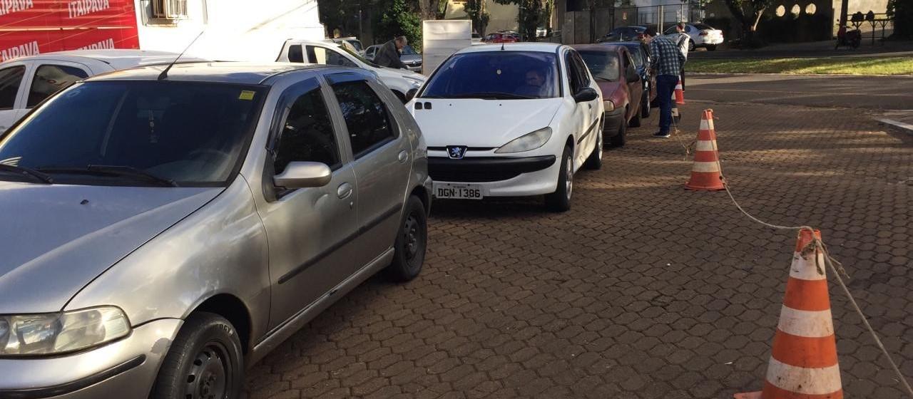 Motoristas pagam R$ 2,79 no litro da gasolina no Feirão do Imposto
