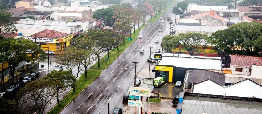 Viapar inicia reparos na Avenida Colombo