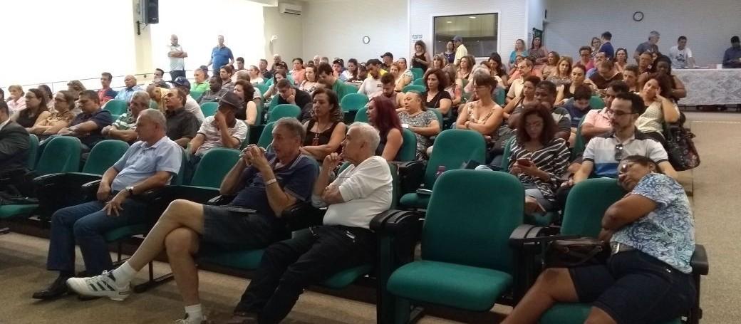 Servidores da UEM decidem entrar em greve a partir de segunda-feira (05)