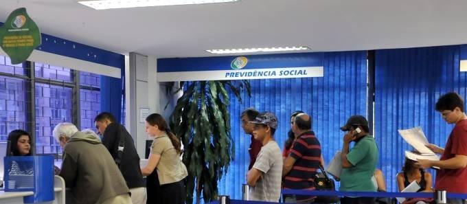 INSS convoca quase 9 mil beneficiários para perícia médica