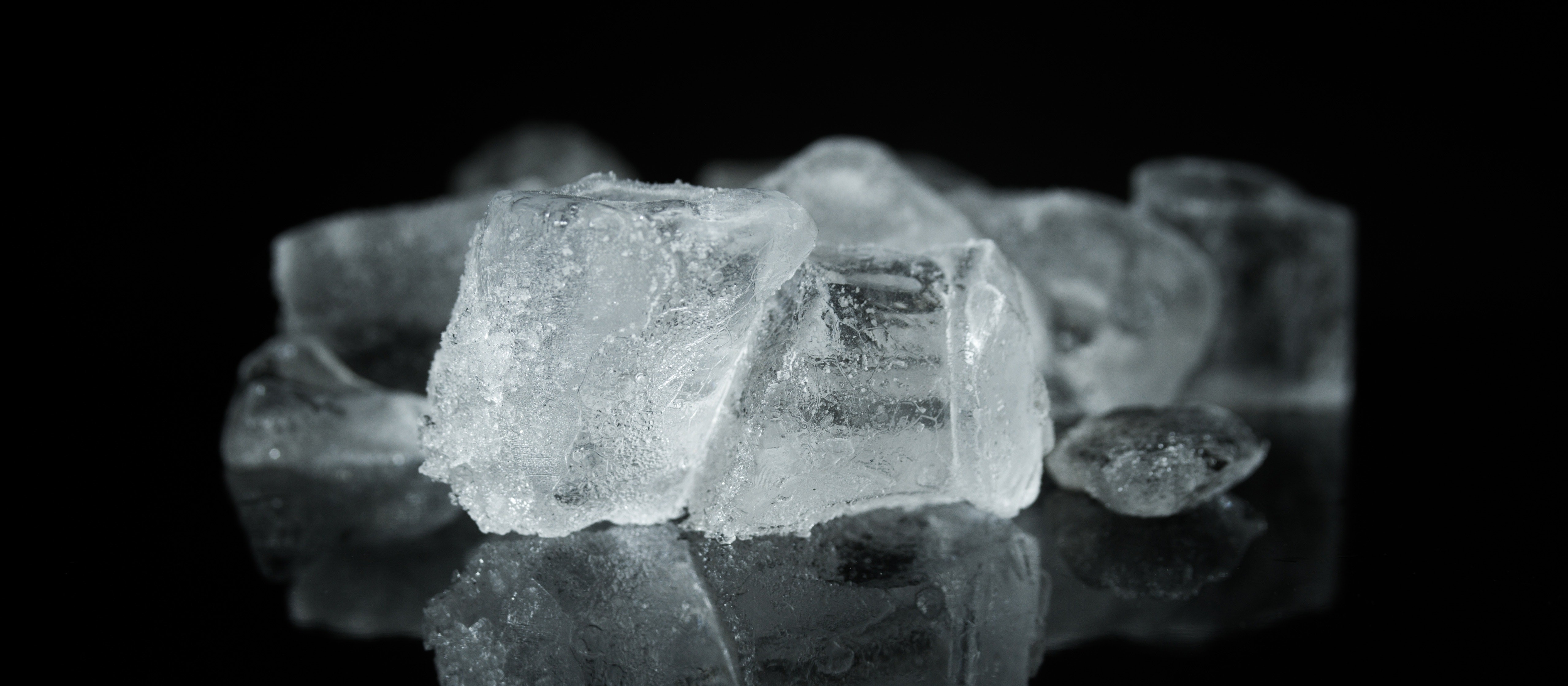 Água sólida que não é gelo