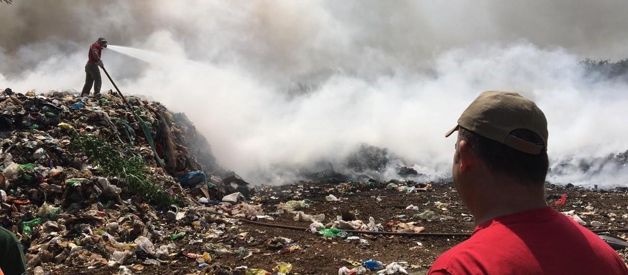 Cooperativa de recicláveis pega fogo