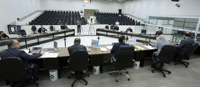 Vereadores também opinaram sobre o corte em salários do setor público