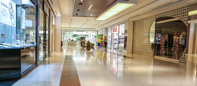 """""""Maringaenses foram a cidades vizinhas onde os shoppings estão abertos; por que não aqui?"""""""