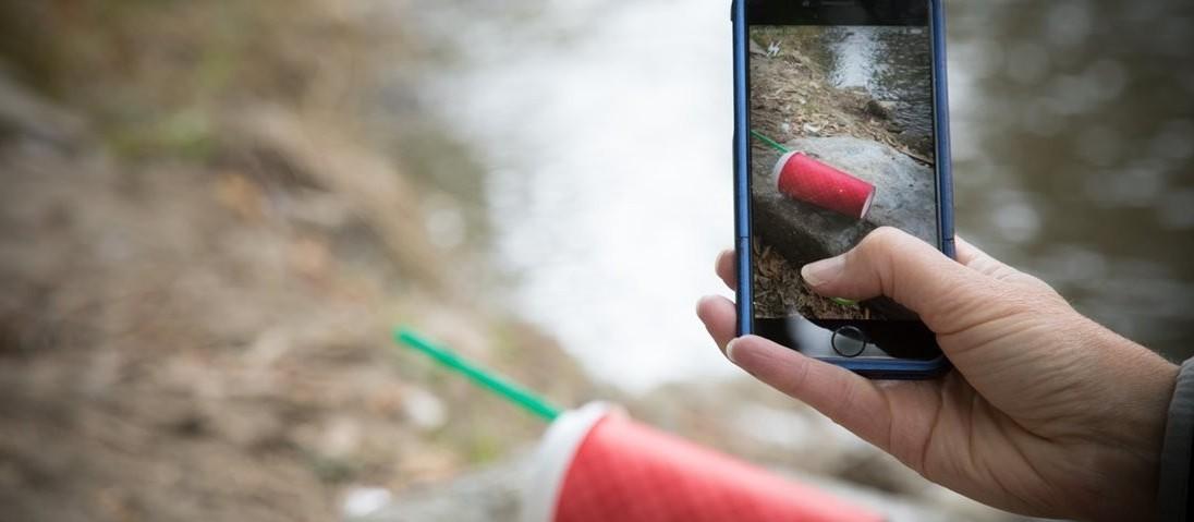 Aplicativo incentiva usuários a se divertir enquanto coletam lixo