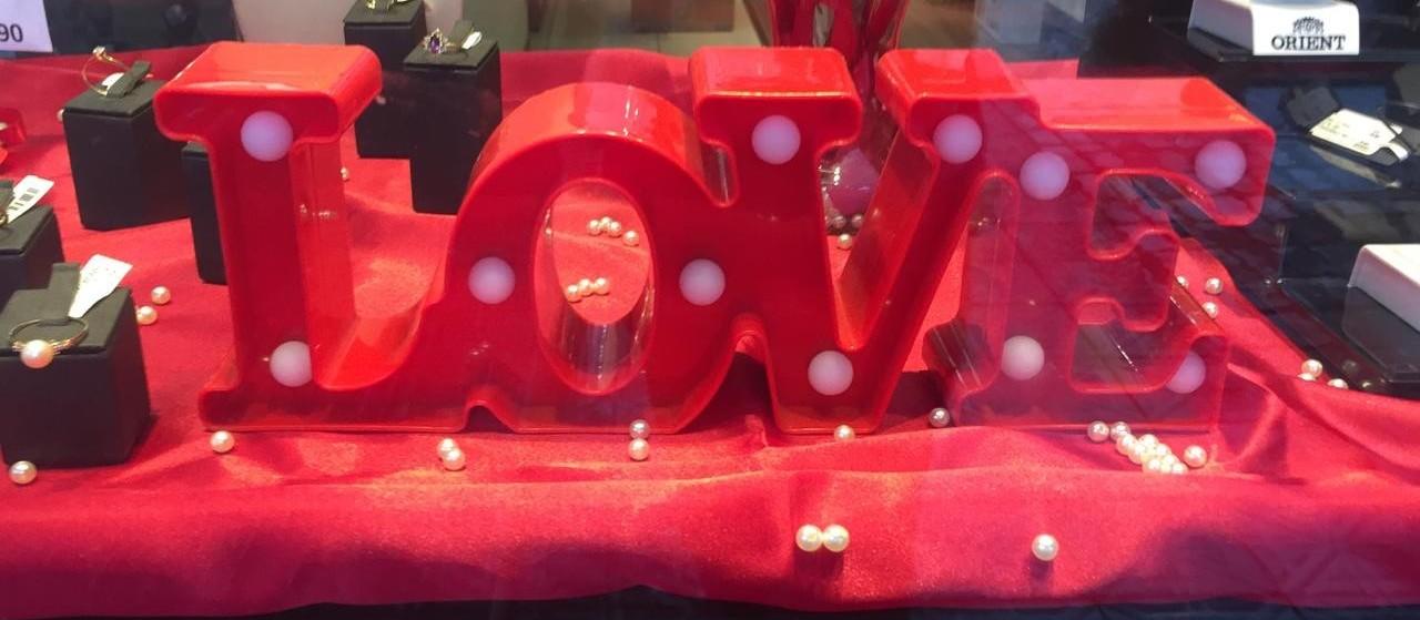 Com o que os maringaenses vão gastar no Dia dos Namorados?