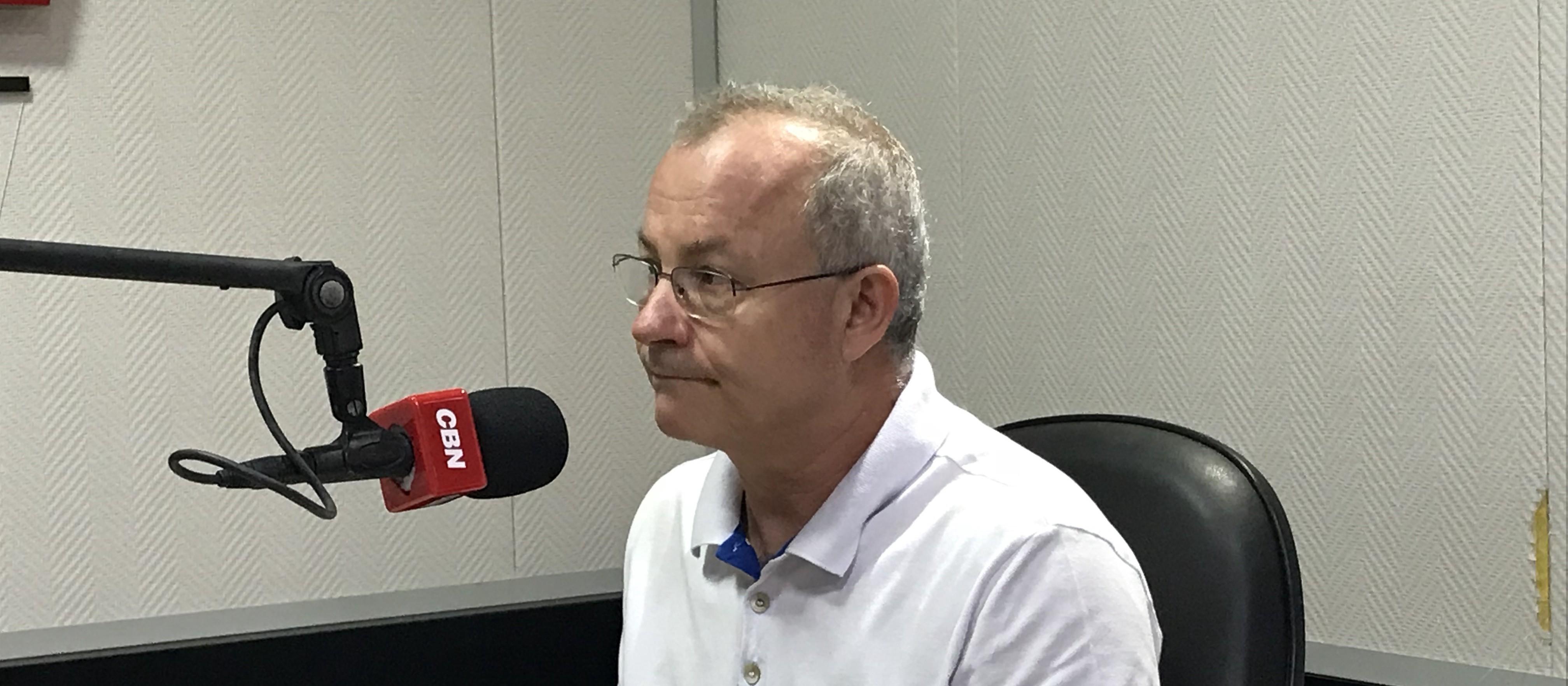 """Reitor desabafa: """"muitos se beneficiam da UEM, mas poucos a conhecem"""""""