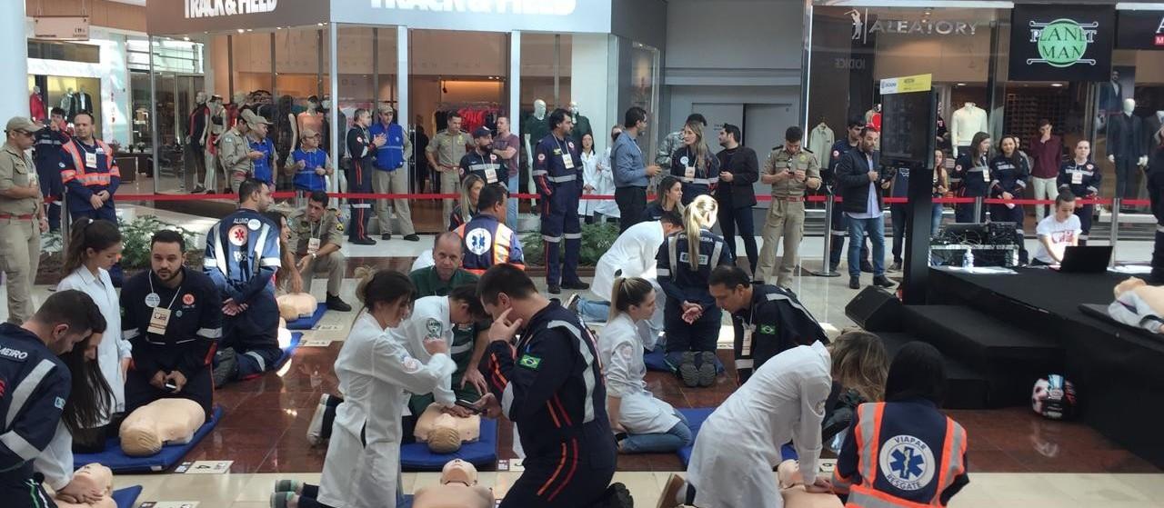 Ação de capacitação para primeiro atendimento de parada cardíaca ocorre em Maringá