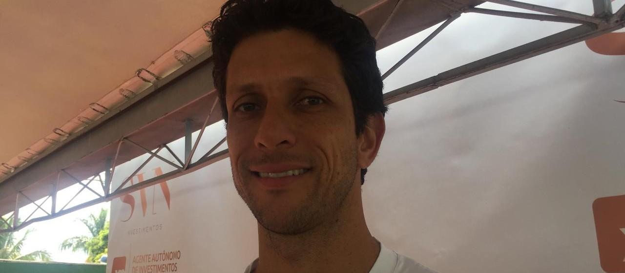 Melhor tenista do Brasil vem a Maringá para falar sobre a carreira