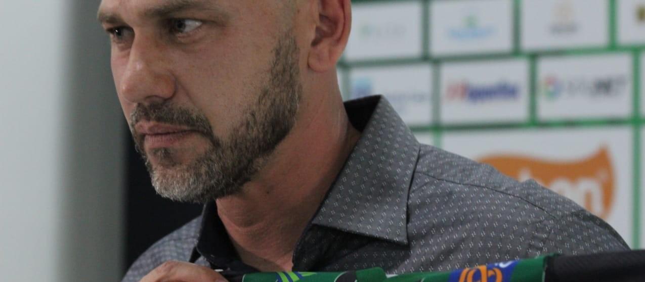 Lesão e saída de jogadores preocupam Antonio Picolli
