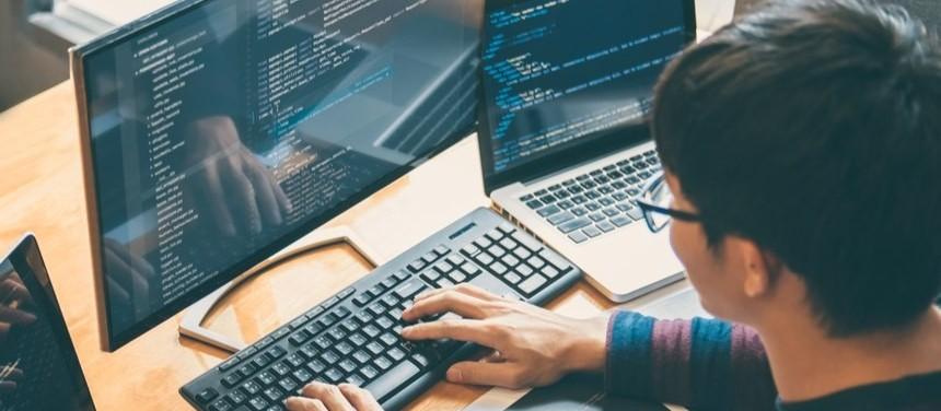 Empresa do setor de TI investe meio milhão de reais em programa de treinamento