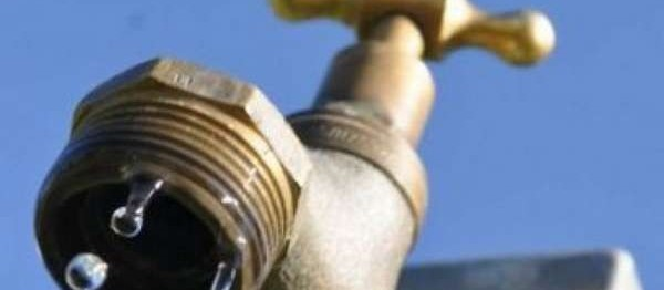 Mais de 40 bairros estão sem água em Maringá