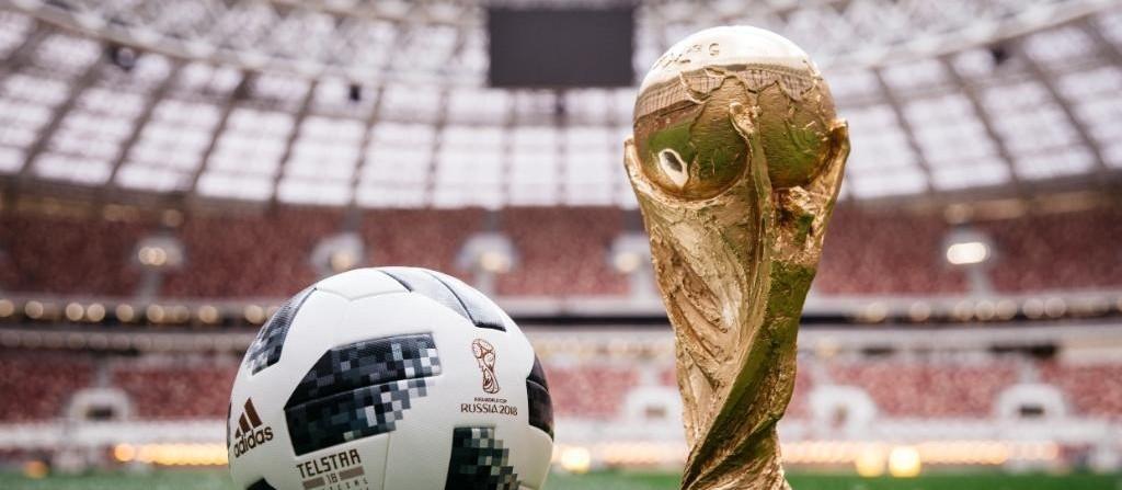 """Por conta da Copa do Mundo, torcedores fazem """"bolão"""""""