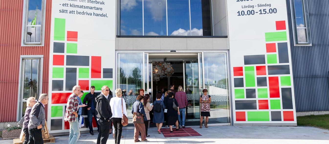 Galeria na Suécia vende somente produtos reciclados