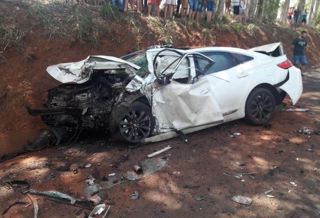Cinco pessoas morrem e uma fica ferida em acidente na PR-317