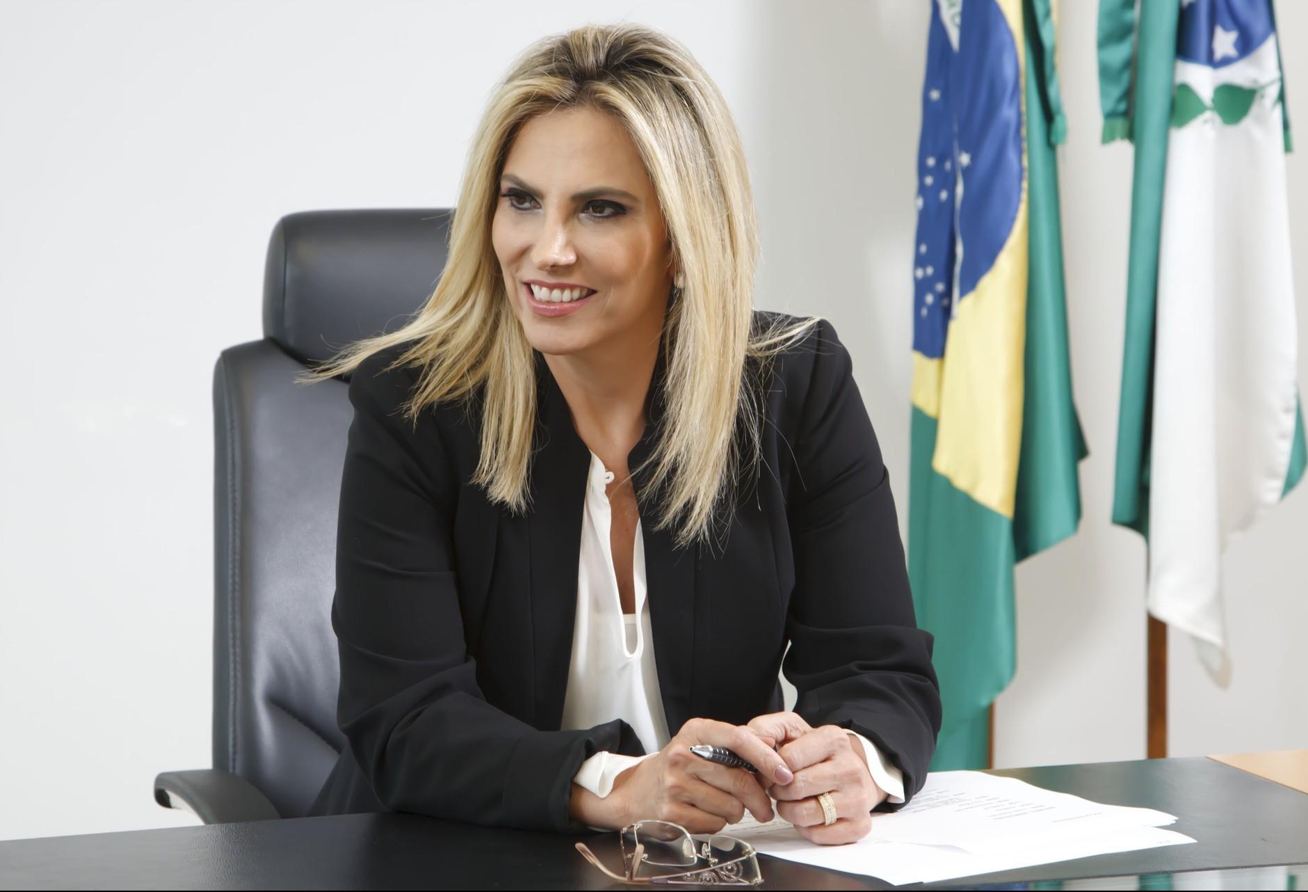 Vereadores assinam pedido à Cida Borghetti