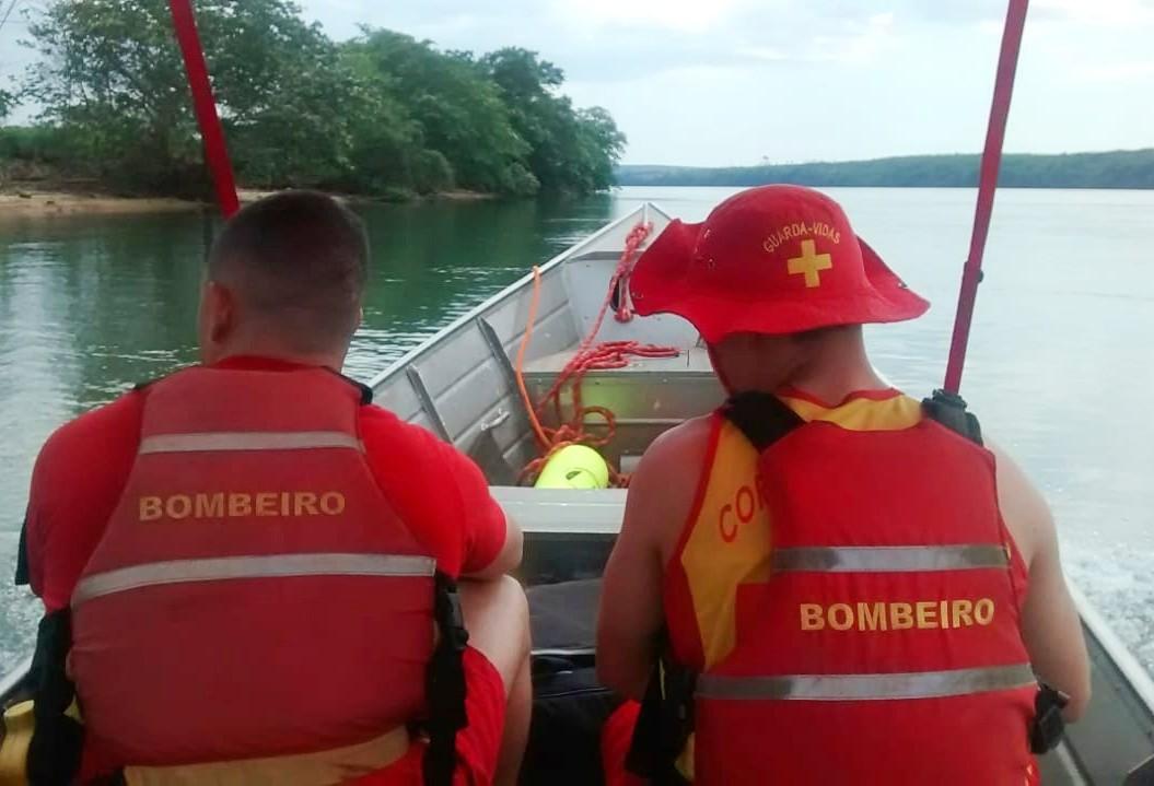 Há mais de dez dias bombeiros buscam por adolescente no Rio Paraná