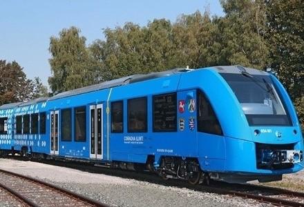 Trem movido a hidrogênio é testado na Alemanha