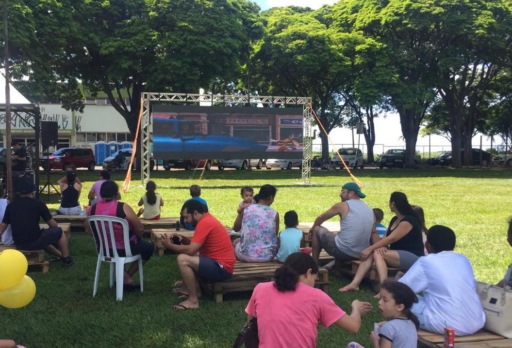 Arena família da Maringá FM recebe várias famílias
