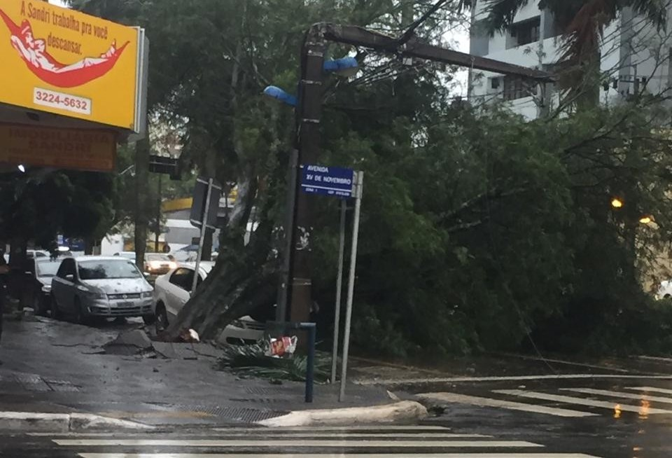 Por causa da chuva, Semob informa bloqueio em alguns trechos