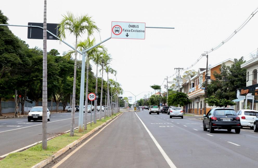 Vereador quer liberar faixas exclusivas de ônibus para táxis e motos