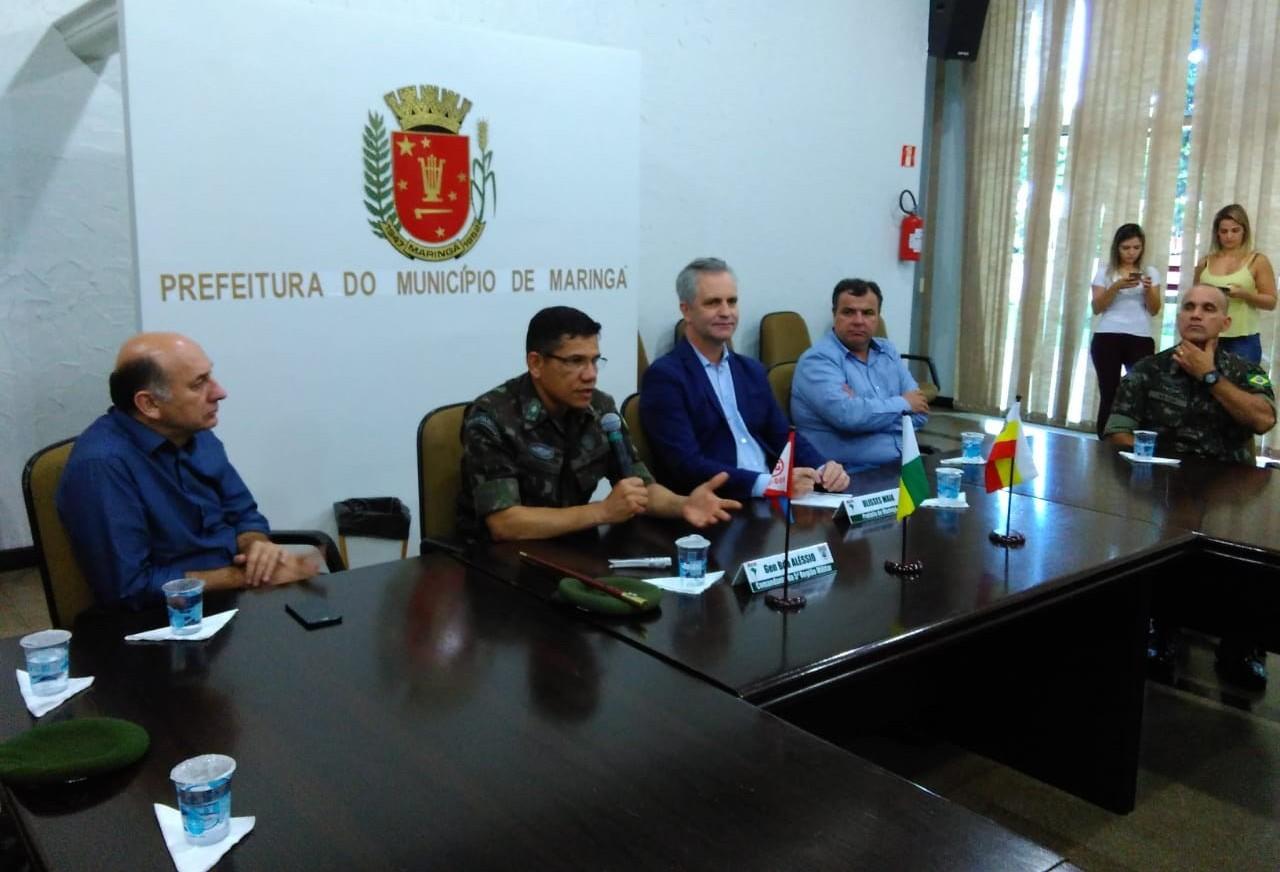 Comandante da 5ª Região Militar do Exército está em Maringá