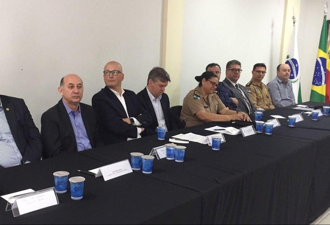 Decreto poderá liberar policiais civis da custódia de presos