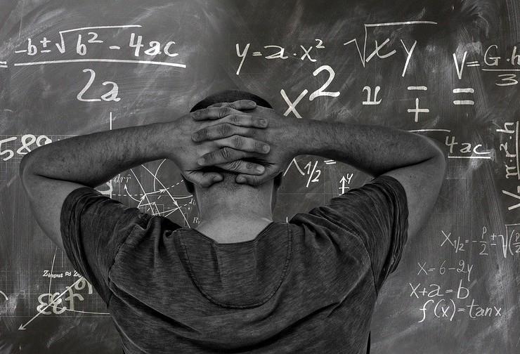 Gilson Aguiar: 'escola sem partido e com que professor?'