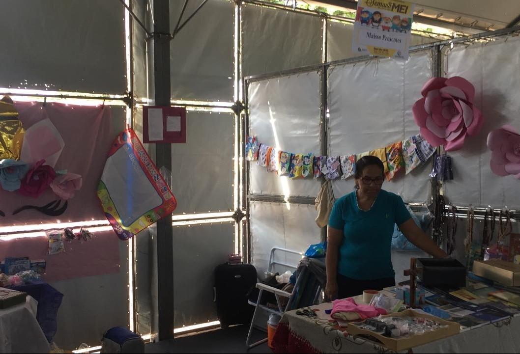 Um feirão expõe produtos e serviços de microempreendedores individuais
